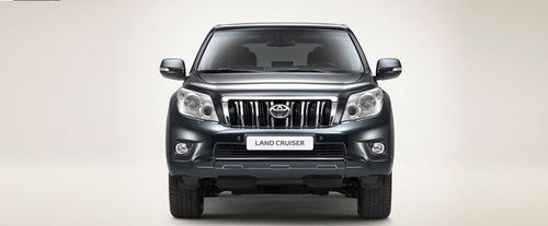 Full Front View of Land Cruiser Prado